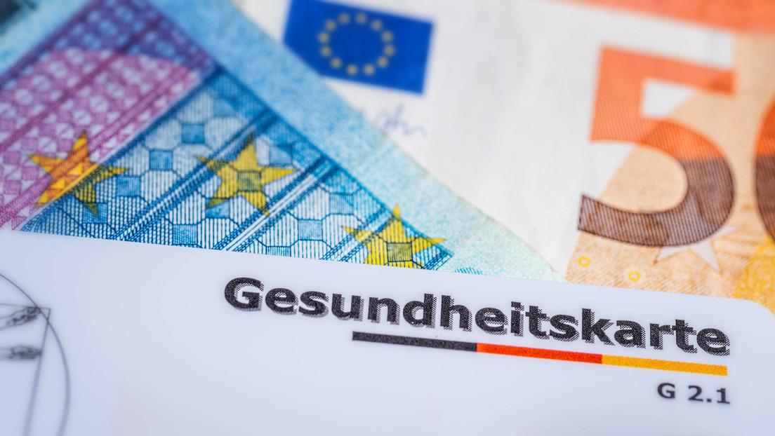 Chef der R+V-Versicherung AG droht mit höheren Krankenkassen-Beiträgen für Ungeimpfte