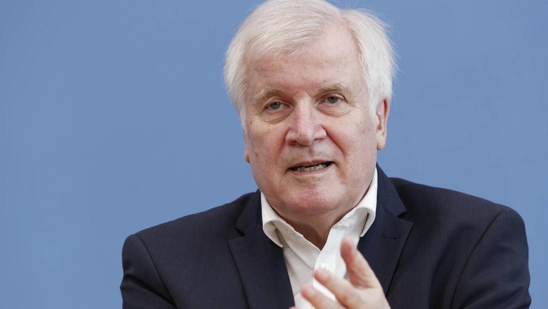 """Seehofer warnt vor Radikalisierung der """"Querdenker"""": """"Sie können unser Land zersetzen"""""""