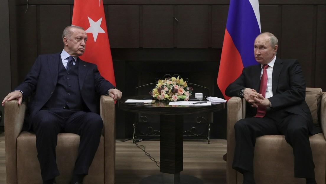 Putin empfiehlt Erdoğan Auffrischungsimpfung mit Sputnik V