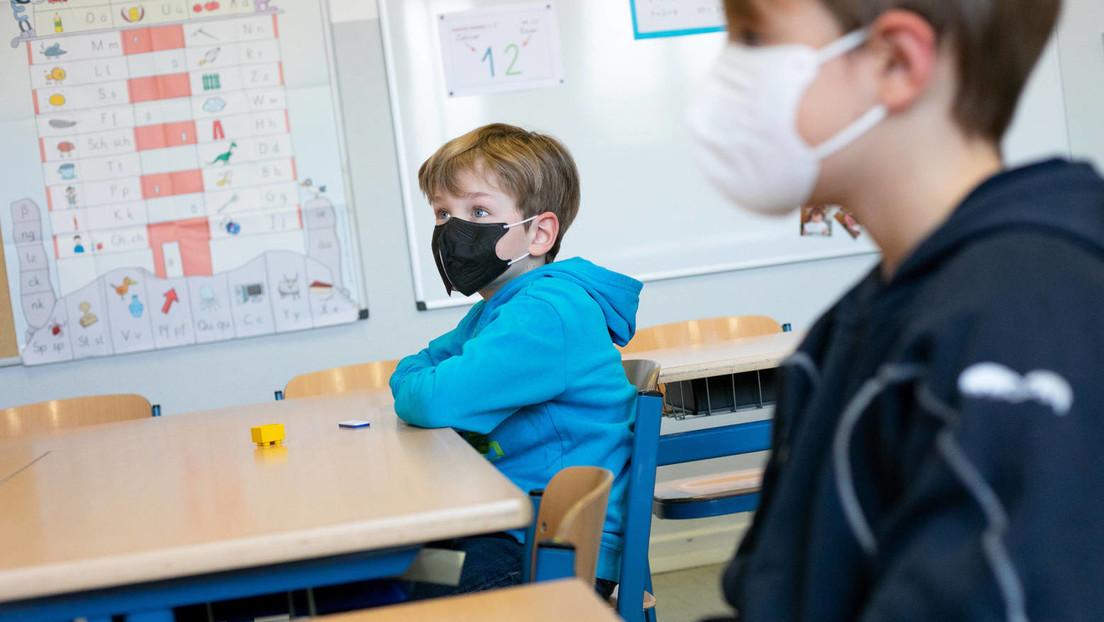"""Berliner Kinderarzt fordert Normalität für Kinder: """"Wir quälen Kinder mit Maske, mit Testen..."""""""