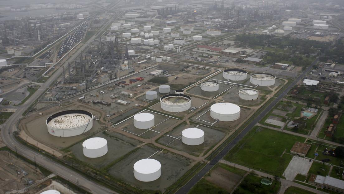 Texas: Massiver Ölaustritt in Raffinerie  (Videos)