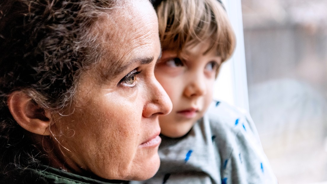 Corona-Krise: Mütter und finanziell benachteiligte Eltern psychisch besonders betroffen