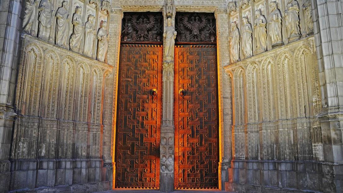 """""""Atheist"""": Heißes Musikvideo in Kathedrale sorgt in Spanien für gespaltene Reaktionen"""