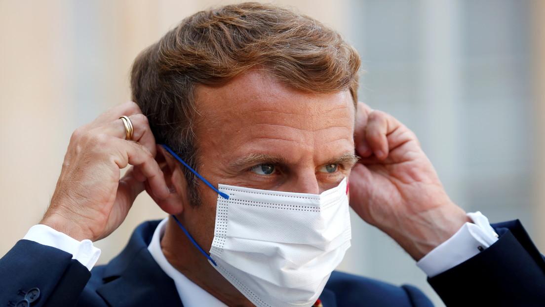 Frankreich: Junger Mann legt Präsident Macrons Impfpass vor und wird festgenommen