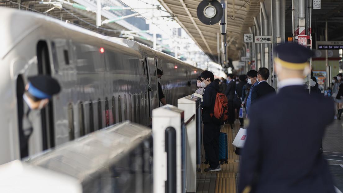 Tokio: Mann setzt sich in vollbesetztem Zug in Brand – Tote und Verletzte