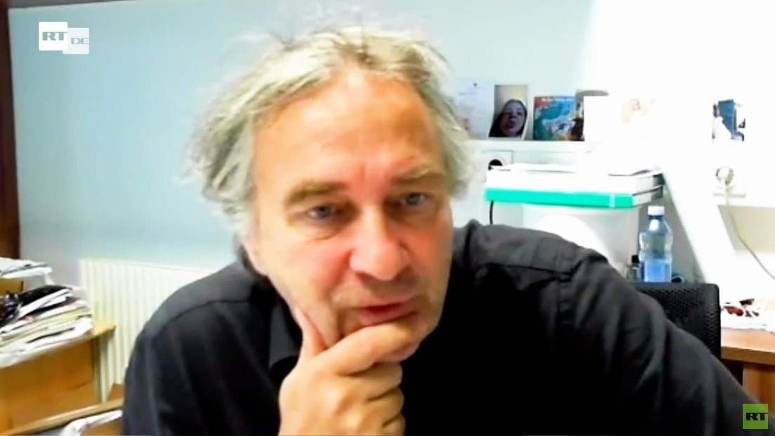 "Psychoneuroimmunologe Christian Schubert: ""Es ist höchst beunruhigend, was hier passiert"""