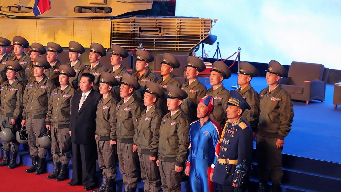 Captain America in Nordkorea? Outfit eines Soldaten auf Militärmesse in Pjöngjang sorgt für Häme