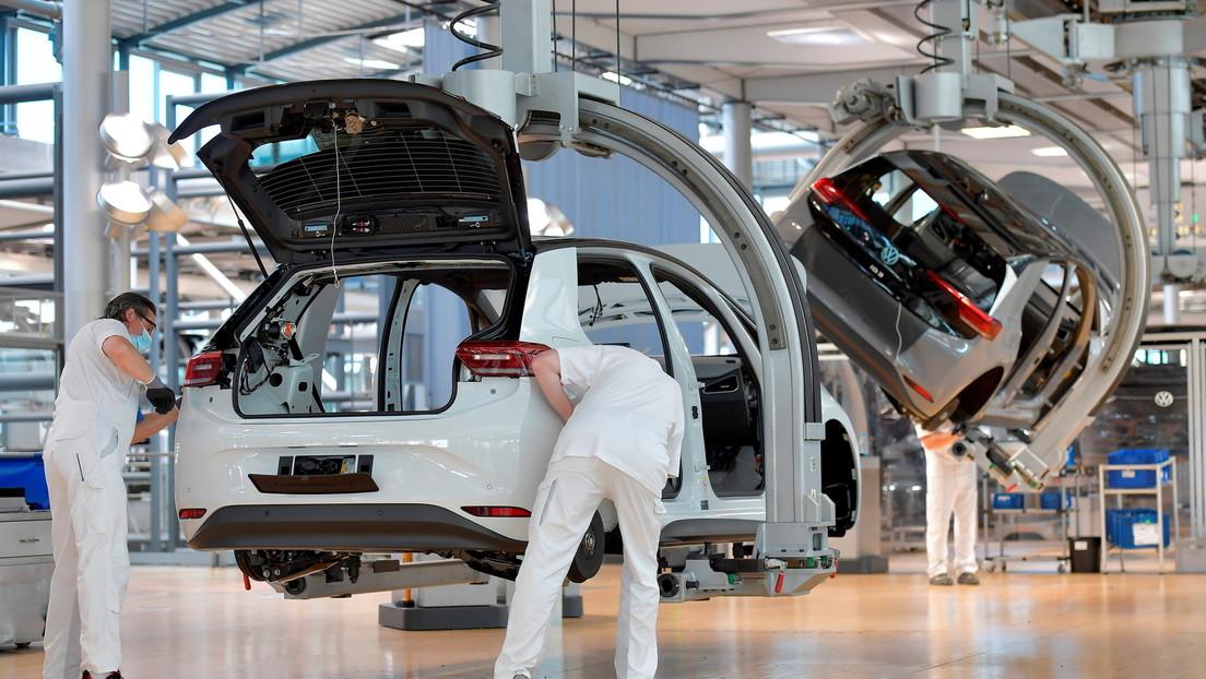 Berichte: VW-Chef bringt Abbau von 30.000 Stellen ins Gespräch