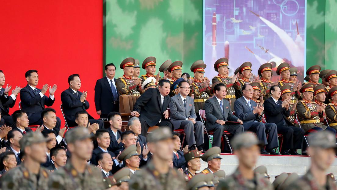 Machtdemonstration à la Kim Jong-un: Nordkoreanische Soldaten zeigen beherzte Kampfkunst (Video)