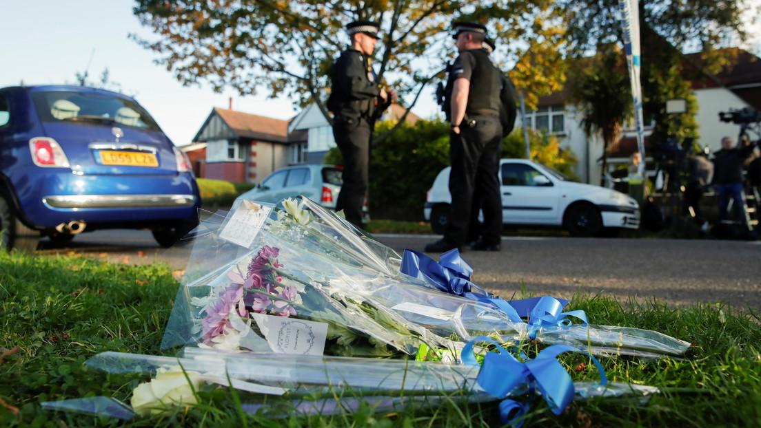 Britische Polizei stuft tödlichen Angriff auf Tory-Abgeordneten als Terrorakt ein