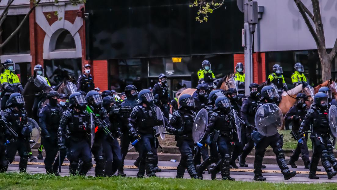 """""""Kaffeebecher-Gestapo"""" – Kritik an australischer Polizei wegen extremer Maskenpflicht-Kontrolle"""