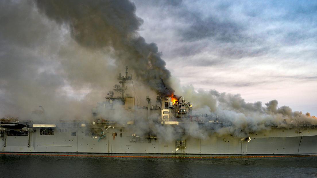 """""""Kommandofehler und Verstöße bei Brandbekämpfung"""" – US Navy über ausgebrannte USS Bonhomme Richard"""