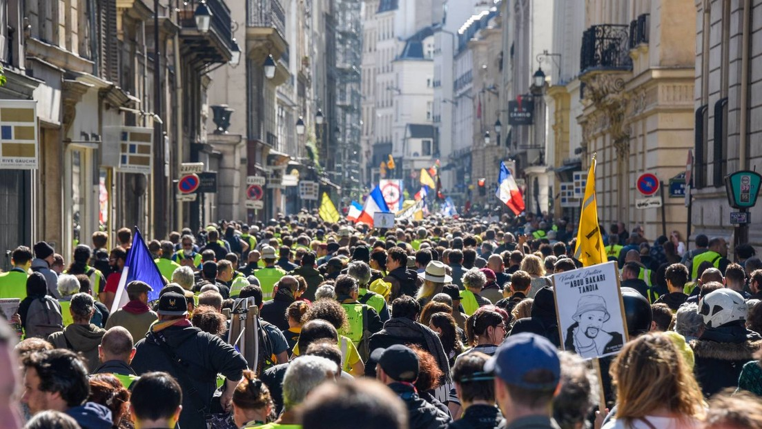LIVE: Gelbwesten protestieren erneut in Paris