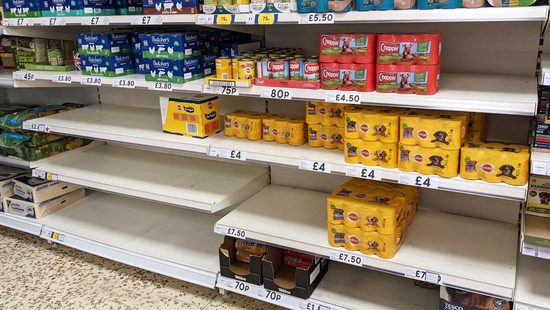 """Um Lieferketten-Probleme zu übertünchen: Supermärkte in Großbritannien mit """"Fake-Waren"""" bestückt"""