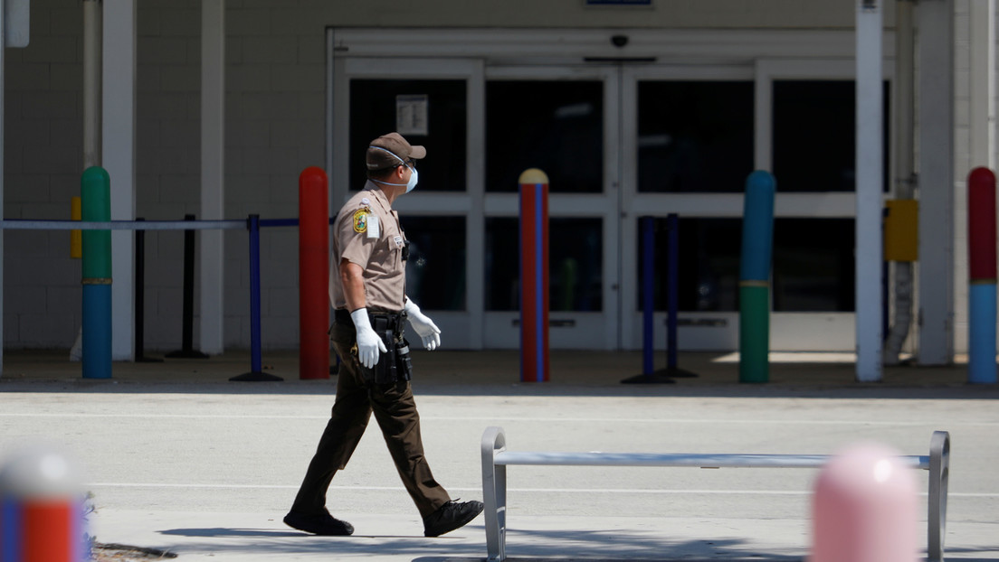Verweigerte Corona-Impfung: Floridas Gouverneur will Einstellungsprämien für entlassene Polizisten