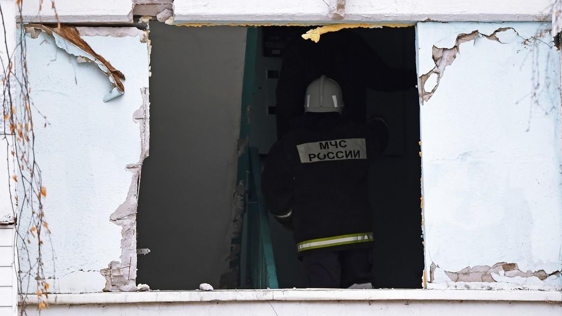 Gasexplosion in Baltijsk: Hausbewohner werfen Kinder aus Fenster (Video)