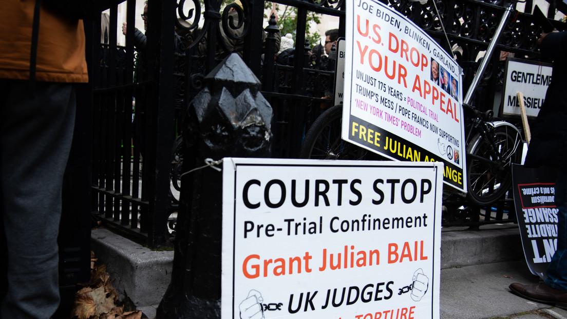 LIVE: Protest vor Gerichtsgebäude vor Anhörung zur Auslieferung von Julian Assange