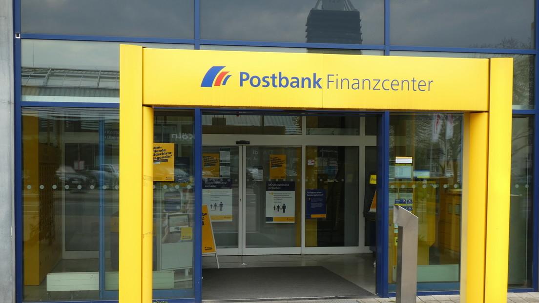 Postbank-Kunden betroffen:  Deutsche Bank kürzt weitere Filialen und Stellen