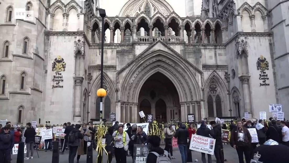 LIVE aus London: Prostest gegen die Auslieferung von Julian Assange