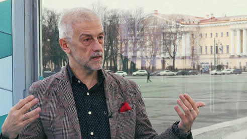 Худрук МХАТа о конфликте с актёрами, премьерах и работе с Прилепиным