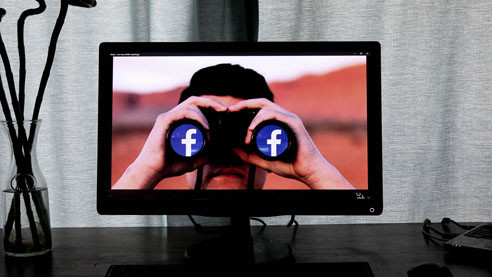 Фейсбучные «истины». К чему привела в США цензура в соцсетях