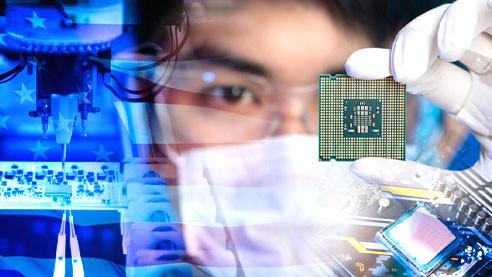 Кризис компании Intel. Где взять деньги на производство чипов?
