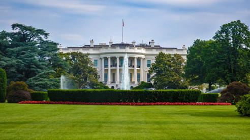 «Надменный» класс США и политическая цензура в социальных сетях