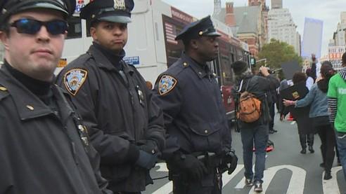 Полиция США: вооружена и опасна