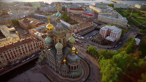 Санкт-Петербург: от музеев до парадных