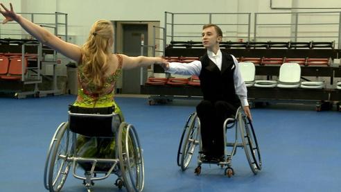 Танцы на колясках