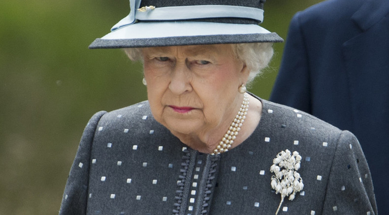 Uncovered film shows Queen Elizabeth II rehearsing Nazi salute as a child (VIDEO)