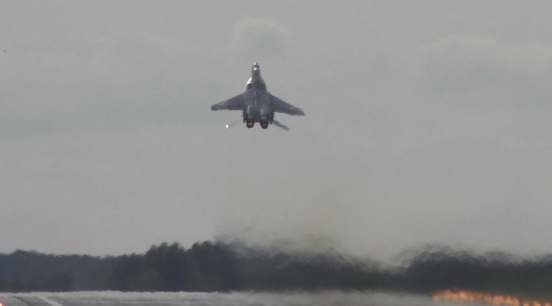 Power vertical: MiG-29 rockets skyward on takeoff (VIDEO)