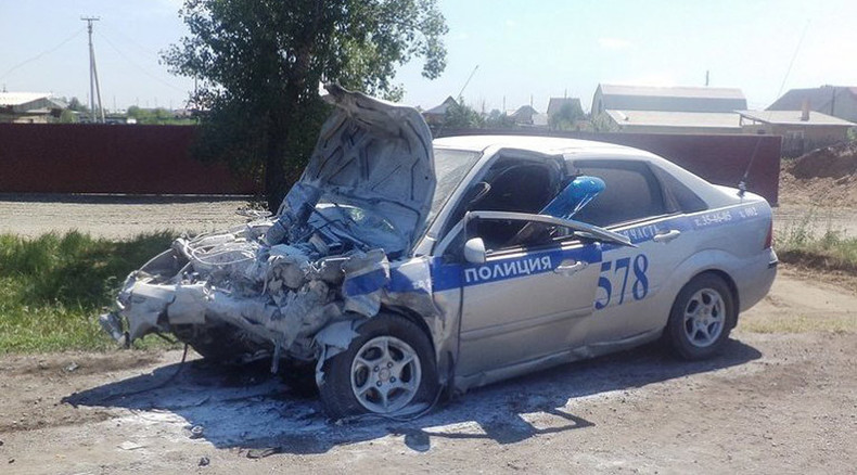 Russian hero cop rams his car into oncoming vehicle to save children's lives