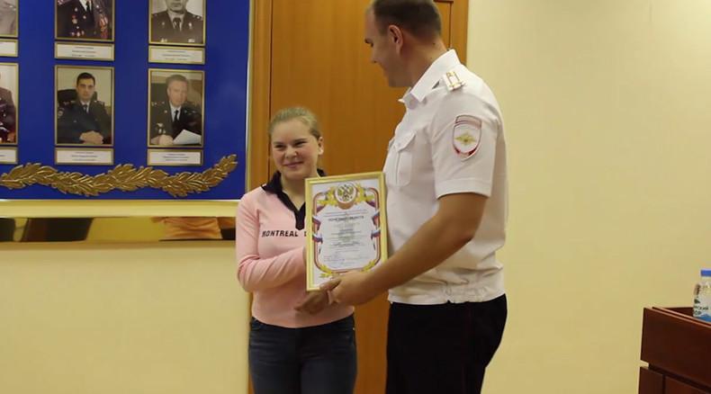 Siberian schoolgirl tackles knife-wielding adult attacker, hands him over to police