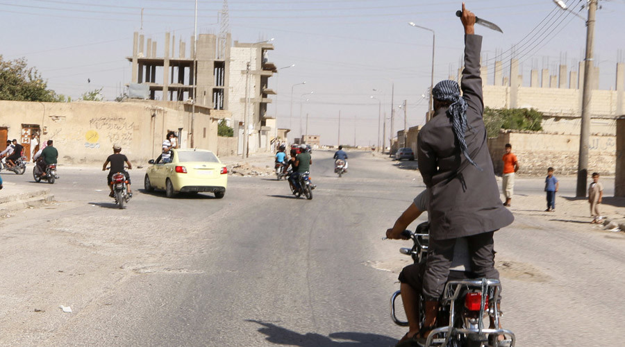 US-led coalition pounds ISIS-stronghold of Raqqa with leaflets