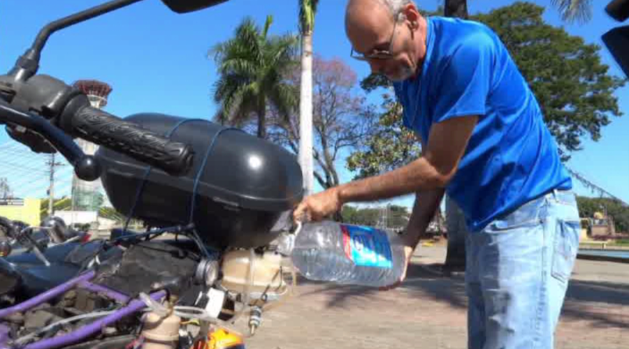 Miracle motorbike that goes 500km… on a liter of water! (VIDEO)