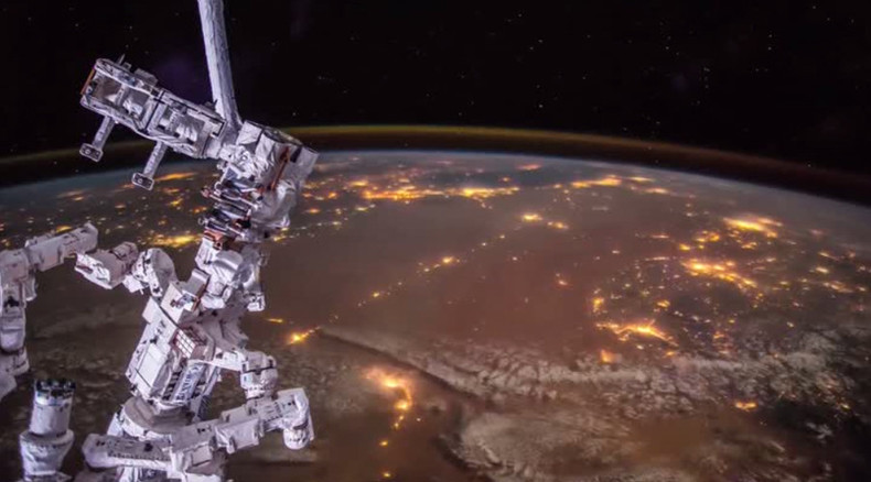 Dextre and Arabian Nights: ISS takes bot for dreamy flight over magnificent Middle East