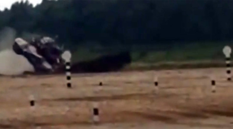 Kuwaiti crew drifts, rolls-over T-72 at Russia's Tank Biathlon (VIDEO)