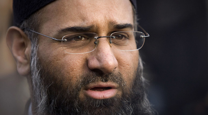 Radical Islamist preacher Anjem Choudary charged with inviting ISIS support