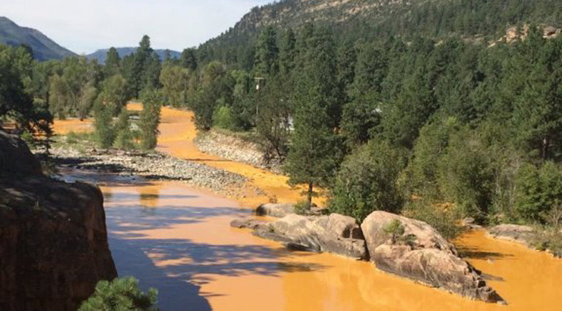 EPA spills 1 mln gallons mine waste, turns river in Colorado orange
