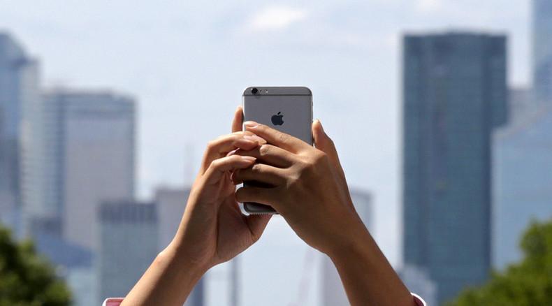 Digital buddies: Teens prefer to make and keep friendships online rather than offline – study
