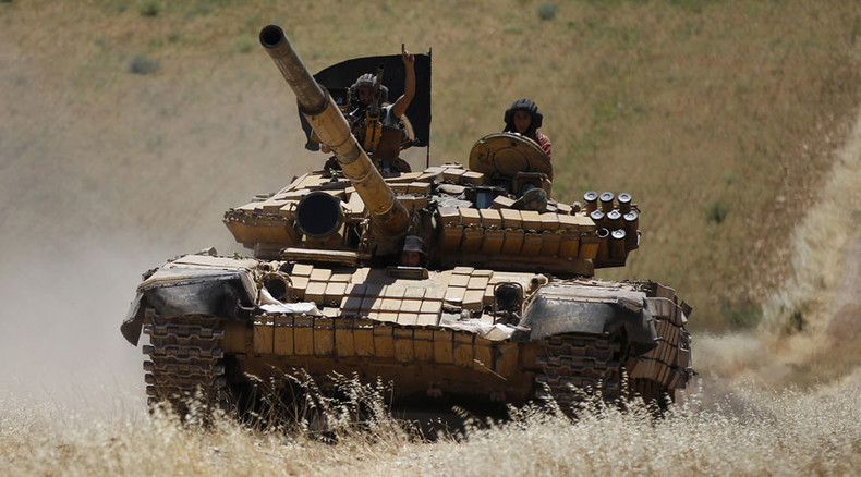 Al-Qaeda's Syria branch withdraws from frontline against ISIS