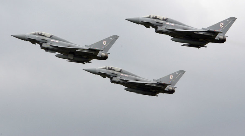 Tories delay Syria bombing vote to ramp up Labour support