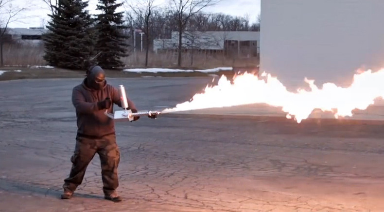 Fire napalm for $1,600: 'Fun' flamethrowers go on sale online in US (VIDEO)