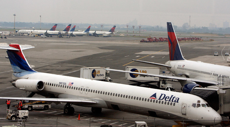 Computer glitch delays hundreds flights in New York, DC