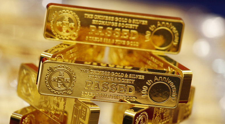 Investors take shine to gold on China worries