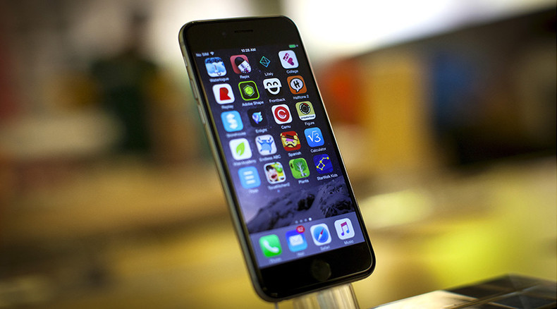 UK tech firm integrates hydrogen fuel cell inside iPhone for week-long charge