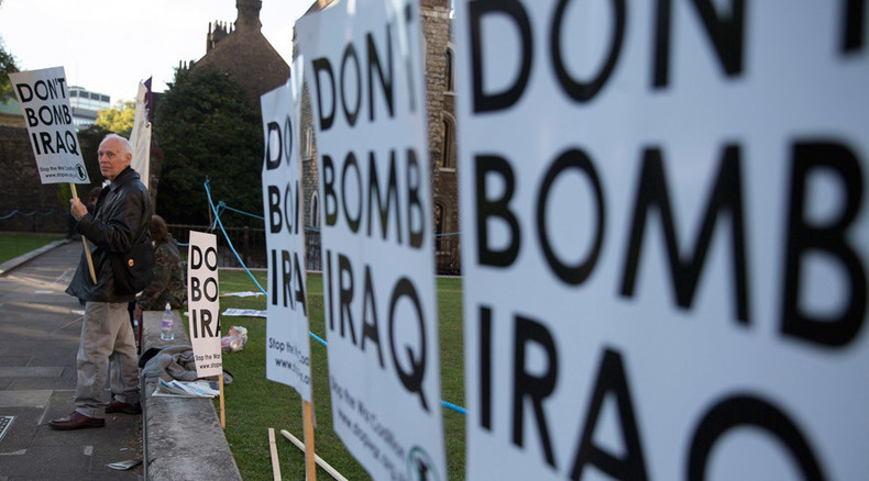 Chilcot inquiry: 'UK bowing down to US'