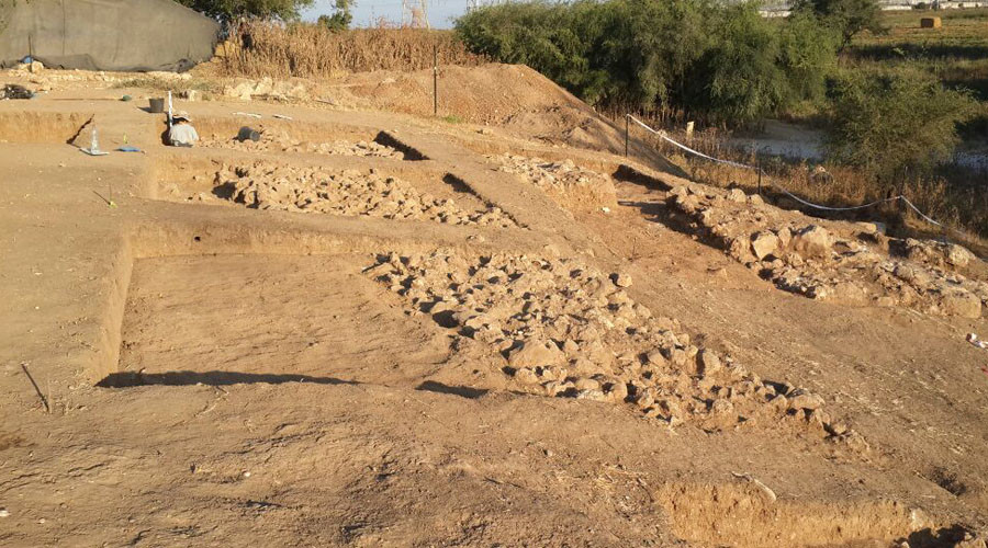 Archaeologists uncover massive gate to Goliath's biblical city