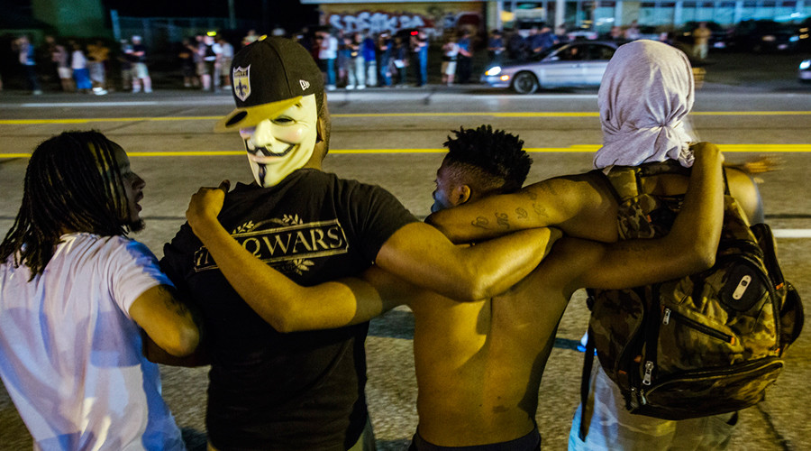 Quiet night in Ferguson could lead to lifting state of emergency - county officials
